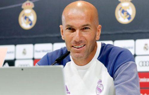 """""""Real Madrid""""-""""Selta"""": Zidan matbuot anjumanida qatnashdi."""